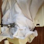 Stik de strook vast. Let op dat de onderkant netjes ligt en niet dubbel zit.