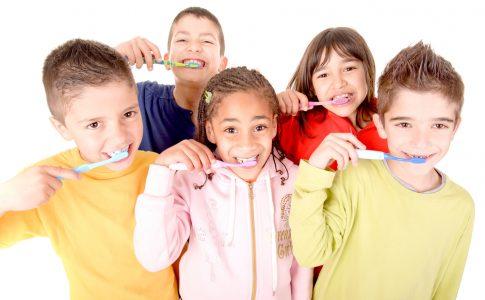 tandenboetsen op school