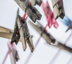 clothes-pins-984176_1920