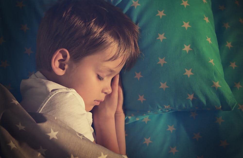 Gordijnen Babykamer Donker : Een nachtlampje als de kinderkamer nooit helemaal donker mag zijn