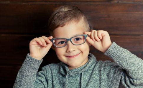 kind moet een bril