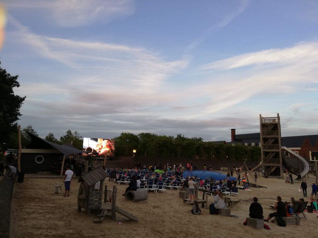 Filmavond op het strand