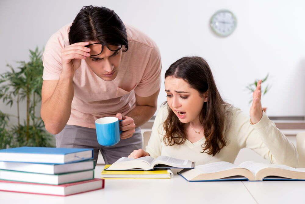je kind Helpen met huiswerk